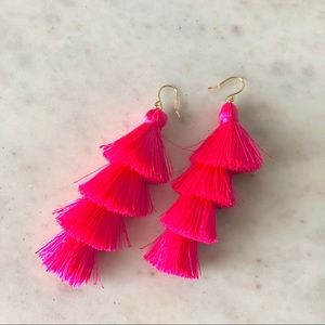 💗 Hot pink tassel earrings 💗